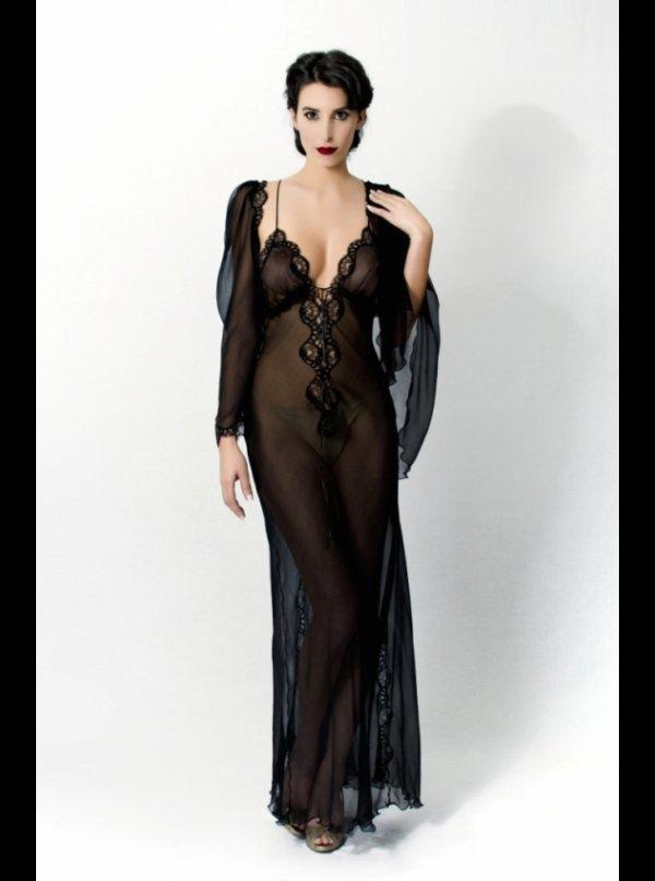 Liliana Casanova 5d6f63618