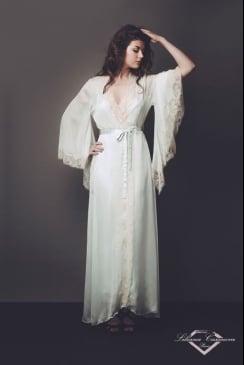 Liliana Casanova Paris - Vaux le Vicomte - Dressing Gown ... 0bab246df